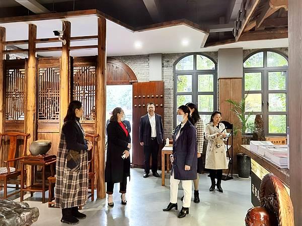重庆市潼南区副区长刘玉梅带队参观考察涪州书院